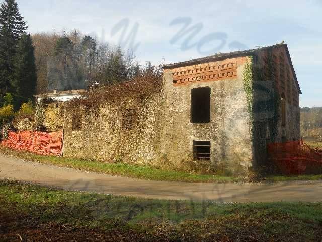 Rustico / Casale in vendita a Pescaglia, 14 locali, zona Località: GENERICA, Trattative riservate | Cambio Casa.it