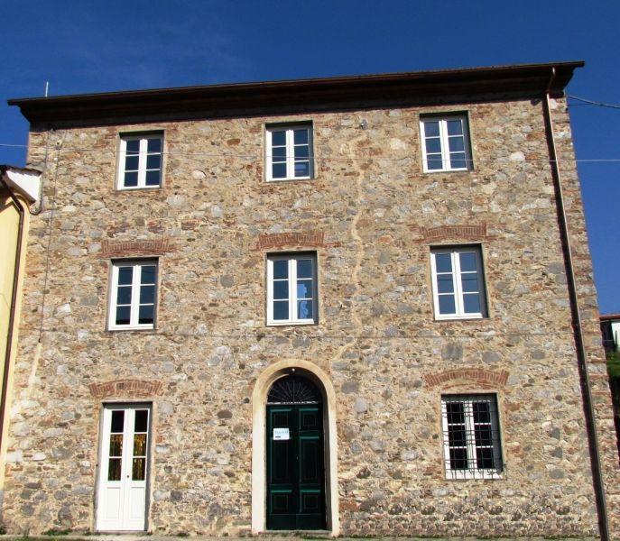 Soluzione Indipendente in vendita a Pescaglia, 6 locali, zona Località: GENERICA, prezzo € 180.000 | Cambio Casa.it