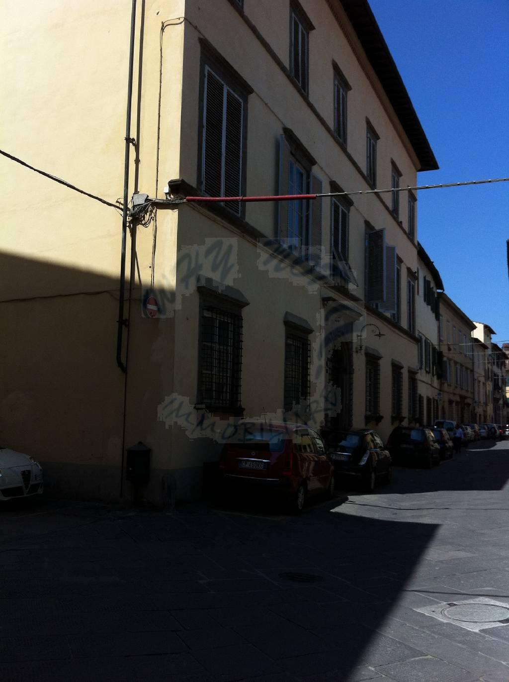 Appartamento in vendita a Lucca, 6 locali, zona Località: CENTRO STORICO, prezzo € 720.000 | Cambio Casa.it