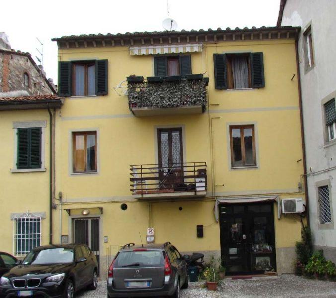 Appartamento in vendita a Lucca, 5 locali, zona Località: SAN VITO, prezzo € 180.000 | Cambio Casa.it