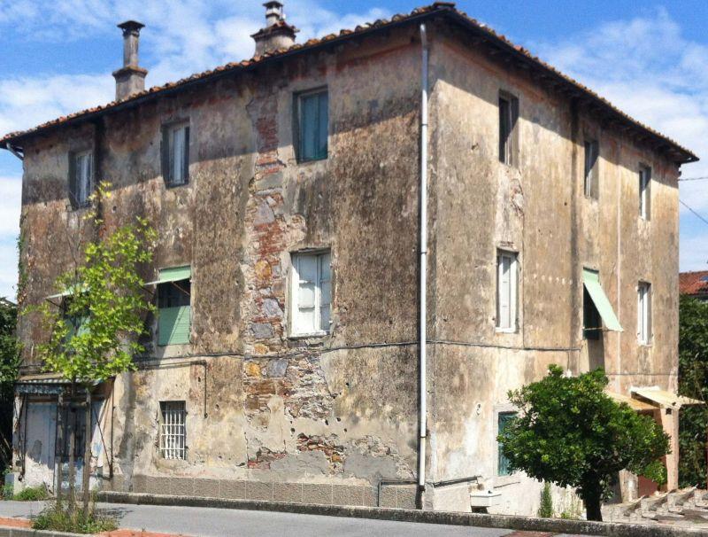 Palazzo / Stabile in vendita a Lucca, 24 locali, zona Località: PONTETETTO, prezzo € 260.000 | Cambio Casa.it