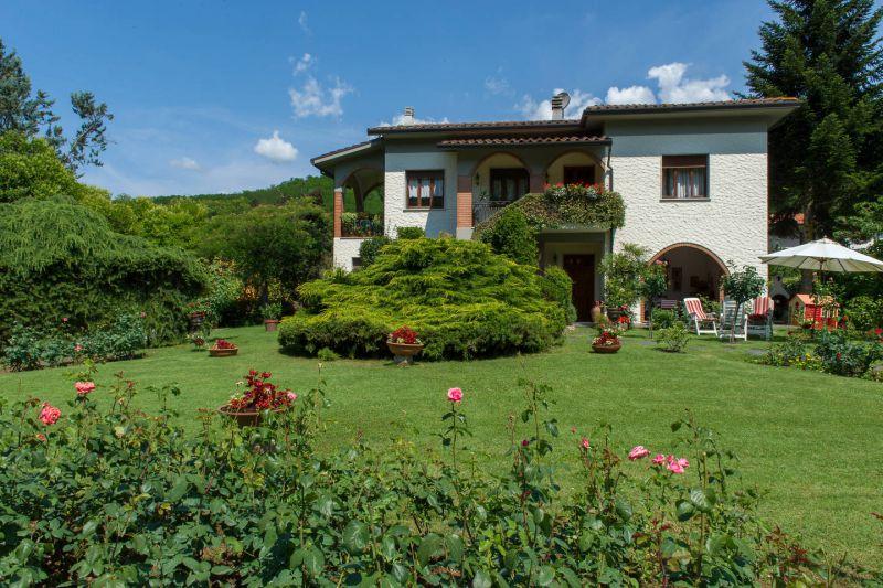 Villa in vendita a Pescaglia, 12 locali, zona Località: GENERICA, prezzo € 500.000 | Cambio Casa.it