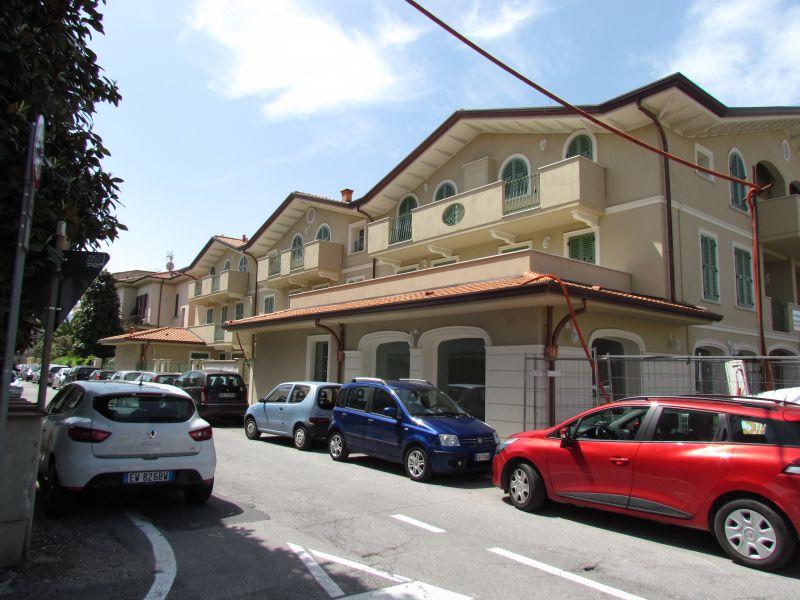 Appartamento in vendita a Lucca, 5 locali, prezzo € 295.000 | CambioCasa.it
