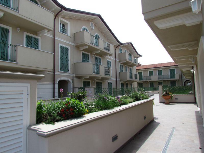 Appartamento in vendita a Lucca, 4 locali, prezzo € 265.000 | CambioCasa.it