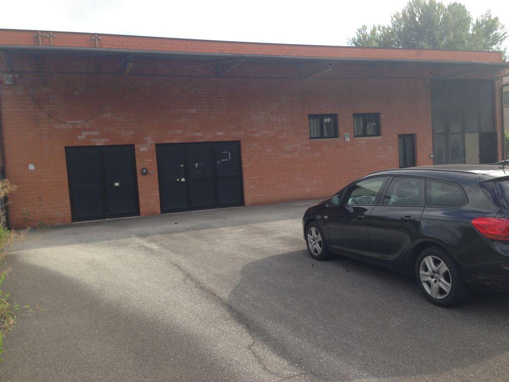 Magazzino in vendita a Lucca, 6 locali, zona Località: SAN FILIPPO, prezzo € 1.000.000 | Cambio Casa.it