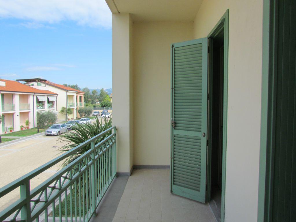 Appartamento in vendita a Lucca, 3 locali, prezzo € 190.000 | CambioCasa.it