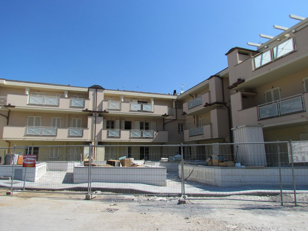 Appartamento in vendita a Lucca, 2 locali, prezzo € 255.000 | CambioCasa.it