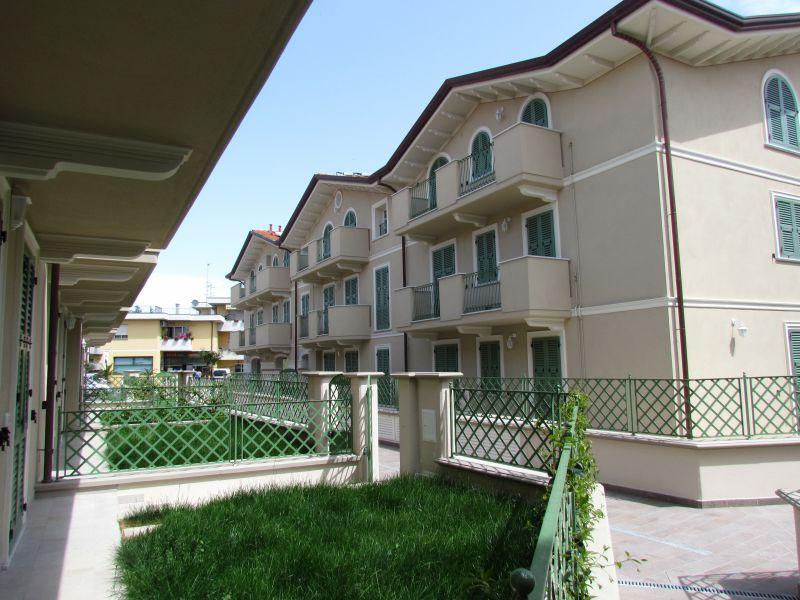 Appartamento in vendita a Lucca, 2 locali, prezzo € 150.000 | CambioCasa.it
