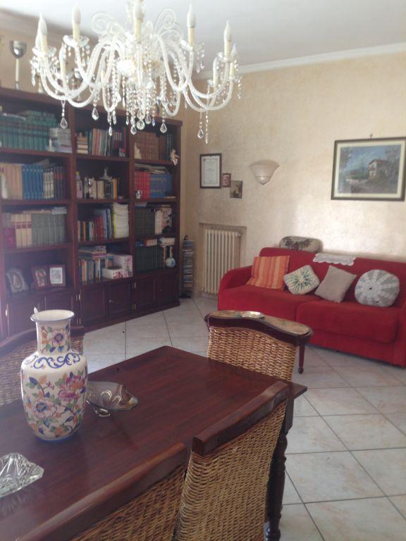 Appartamento in vendita a Lucca, 6 locali, Trattative riservate | CambioCasa.it