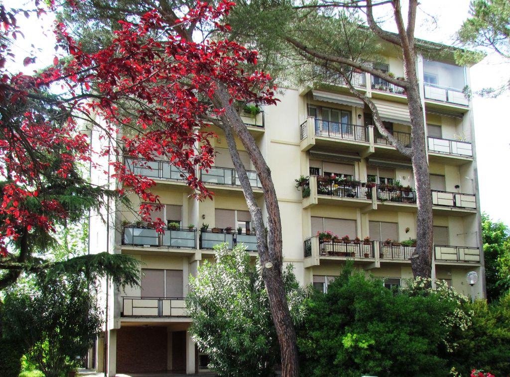 Appartamento in vendita a Lucca, 4 locali, zona Località: S. CONCORDIO CONTRADA, prezzo € 140.000   Cambio Casa.it