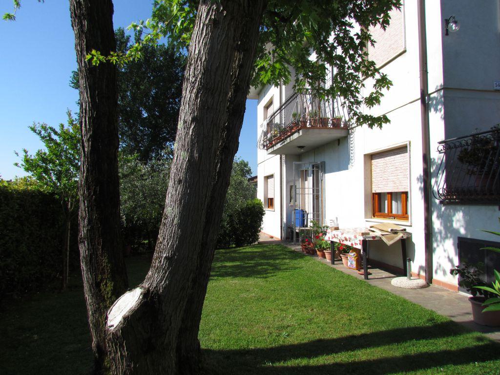 Appartamento in affitto a Capannori, 2 locali, zona Località: GRAGNANO , prezzo € 450 | Cambio Casa.it
