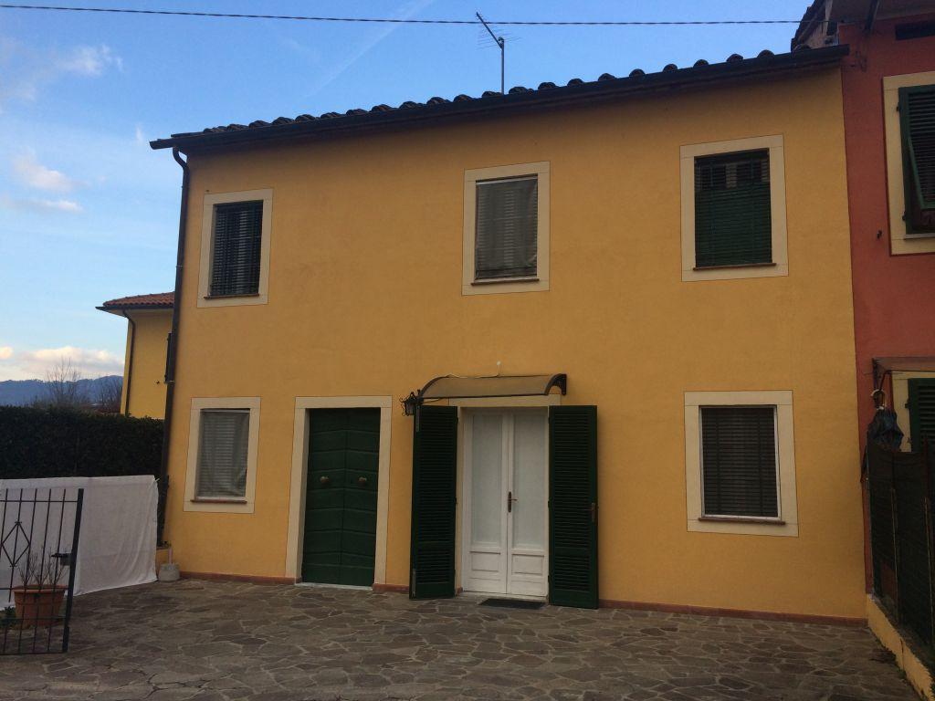 Soluzione Indipendente in affitto a Capannori, 6 locali, zona Località: SEGROMIGNO IN MONTE , prezzo € 700 | Cambio Casa.it
