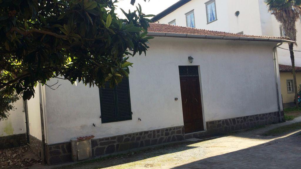 Appartamento in vendita a Lucca, 4 locali, prezzo € 250.000 | CambioCasa.it