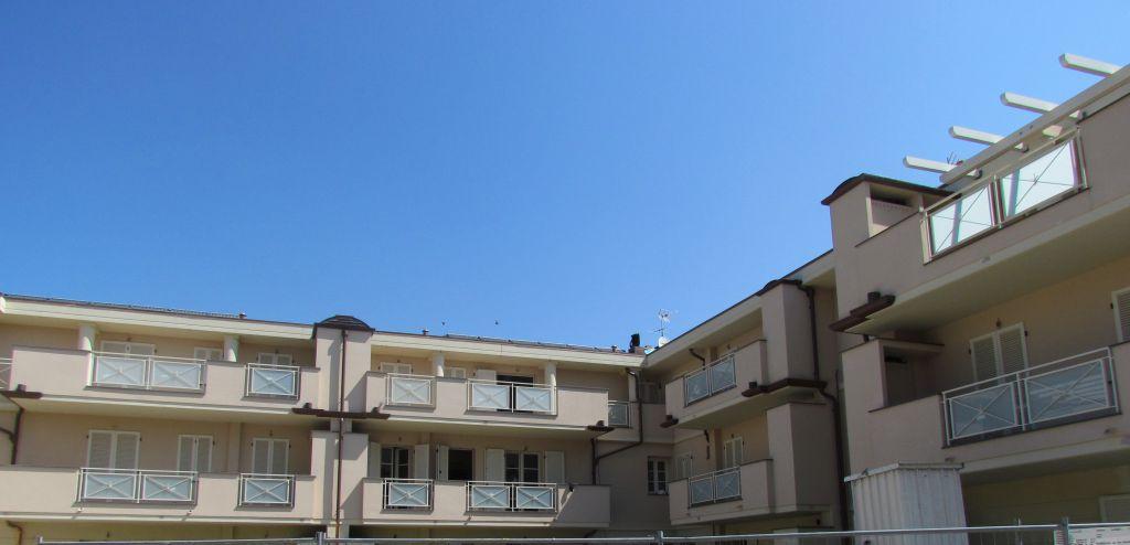 Appartamento in vendita a Lucca, 2 locali, prezzo € 184.000 | CambioCasa.it