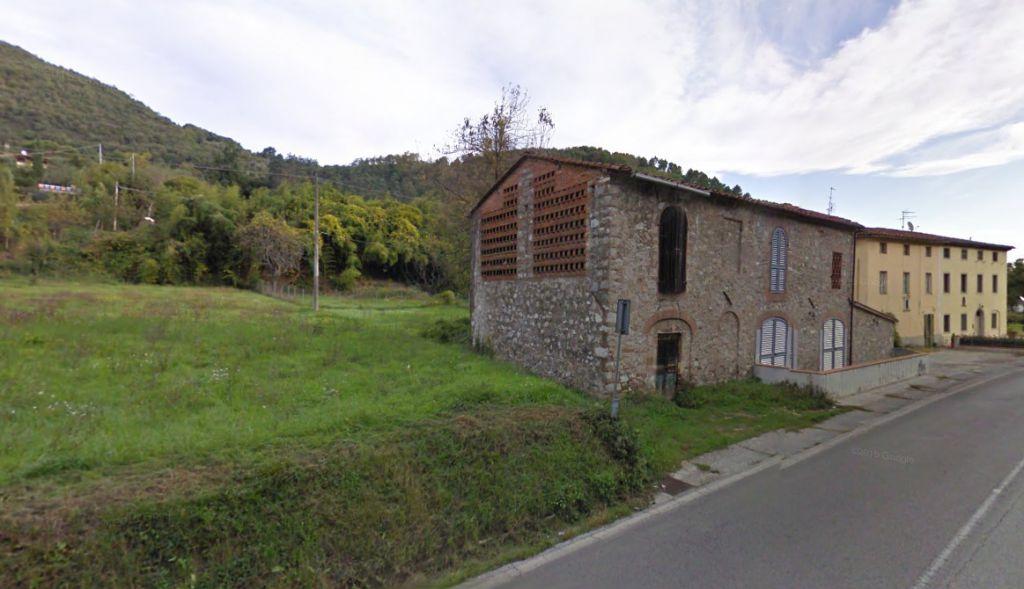 Soluzione Indipendente in vendita a Lucca, 4 locali, zona Località: MAGGIANO, prezzo € 100.000 | Cambio Casa.it