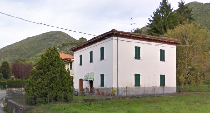 Soluzione Indipendente in vendita a Lucca, 7 locali, zona Località: MAGGIANO, prezzo € 180.000 | Cambio Casa.it