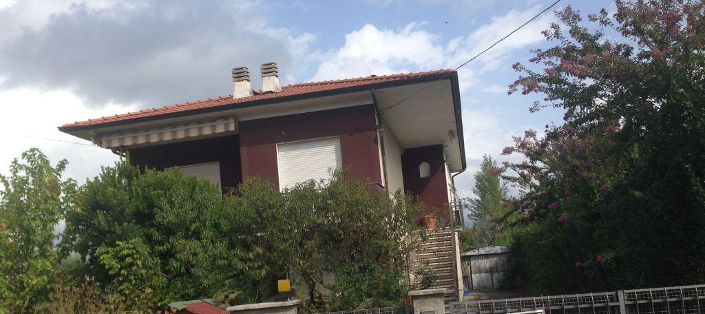 Villa in vendita a Lucca, 10 locali, zona Località: TEMPAGNANO DI LUNATA, prezzo € 300.000 | Cambio Casa.it