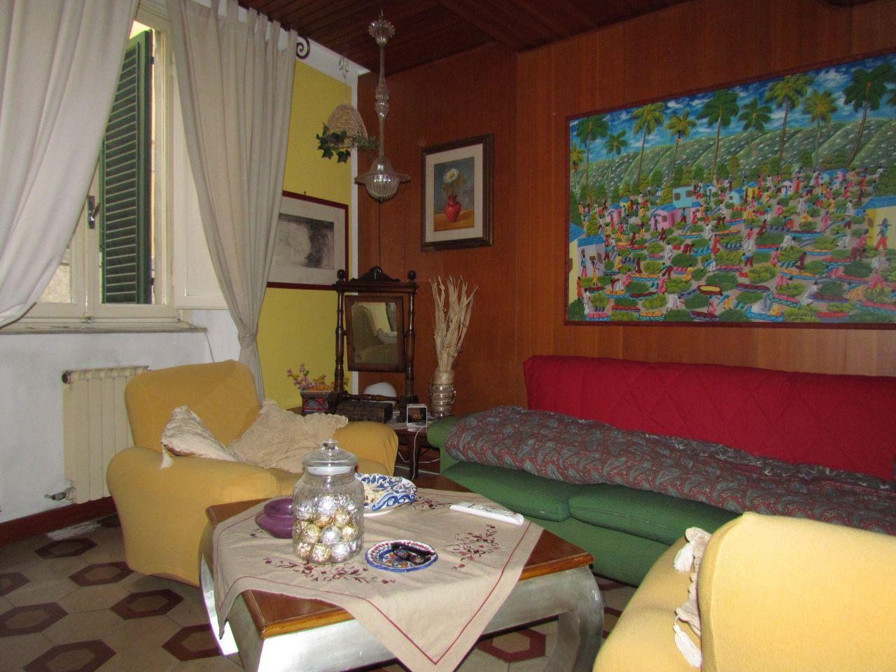 Appartamento in vendita a Lucca, 7 locali, zona Località: CENTRO STORICO, prezzo € 298.000 | Cambio Casa.it