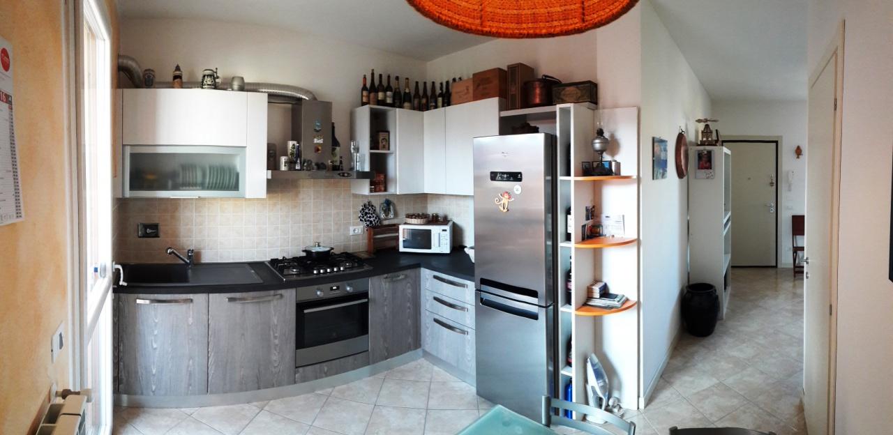 Appartamento in vendita a Lucca, 4 locali, prezzo € 180.000 | CambioCasa.it