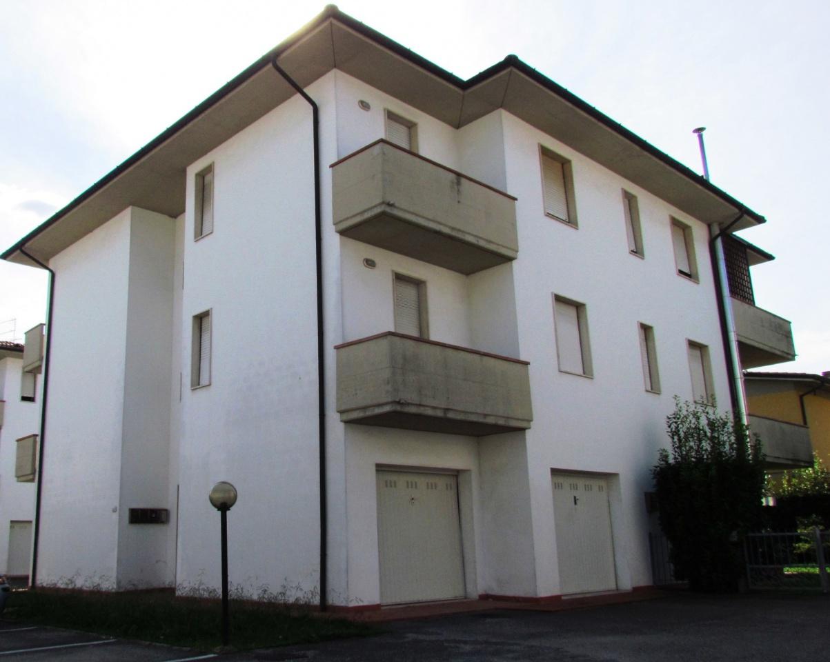 Appartamento in vendita a Lucca, 3 locali, prezzo € 170.000 | CambioCasa.it