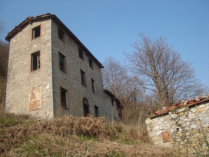 Rustico / Casale in discrete condizioni in vendita Rif. 4770940