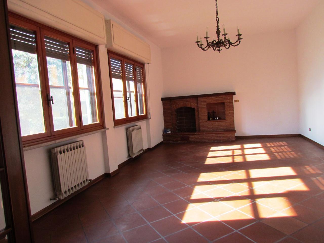 vendita villa capannori santa margherita  490000 euro  9 locali  300 mq