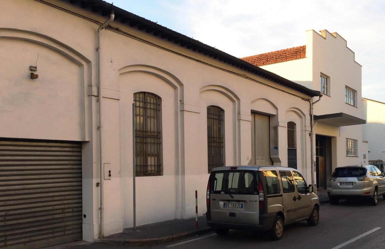 Capannone in Vendita a Lucca