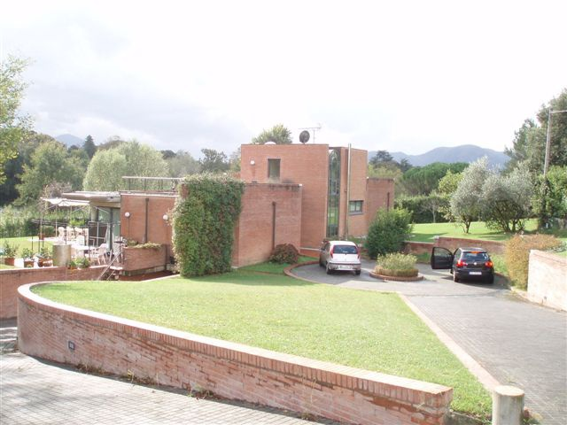 Villa singola in Vendita LUCCA