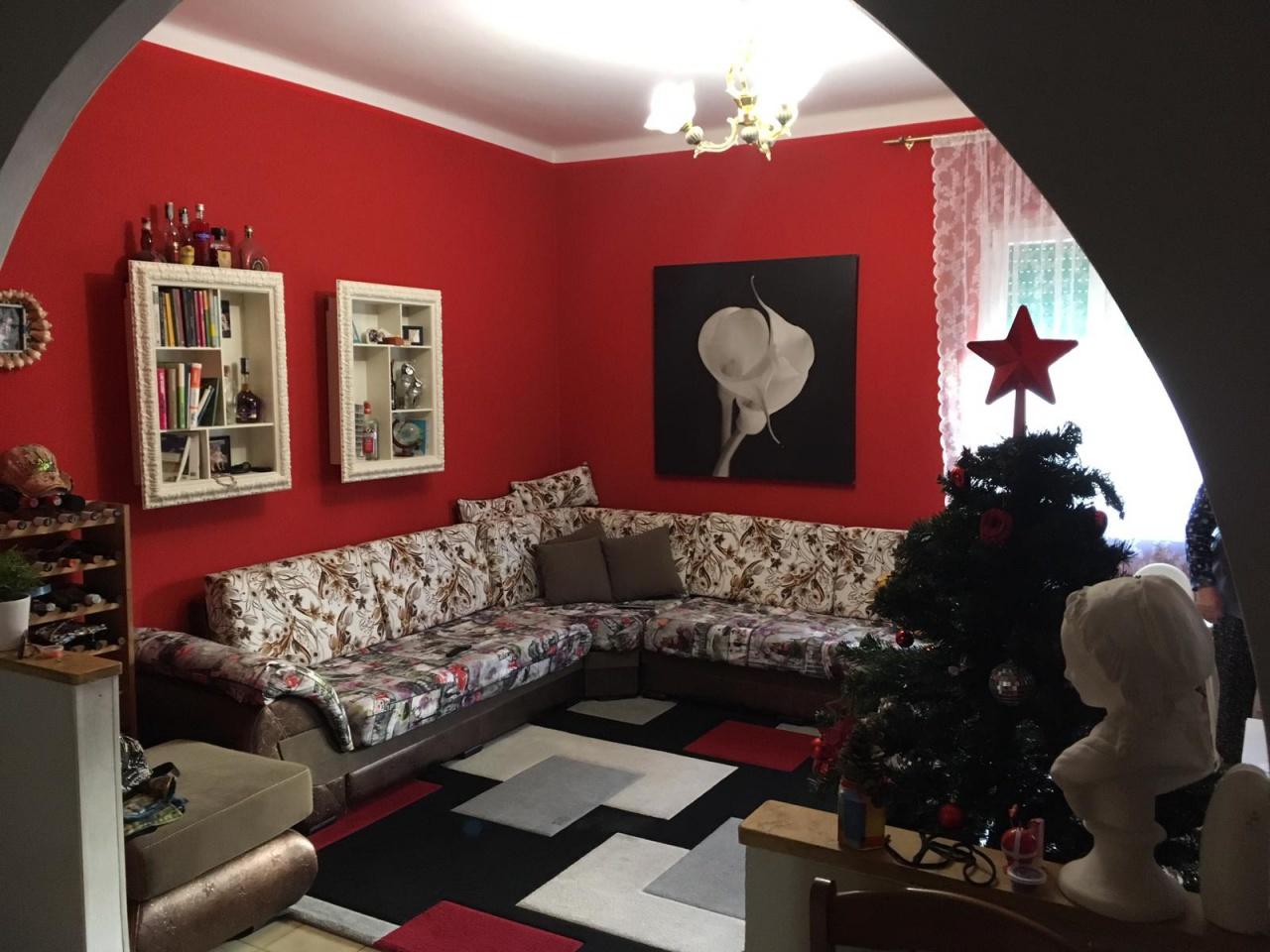 Appartamento in buone condizioni in vendita Rif. 8945036