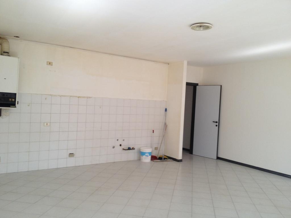 Appartamento in affitto a Bergamo, 2 locali, zona Località: (ZONA CENTRALE), prezzo € 420 | Cambiocasa.it