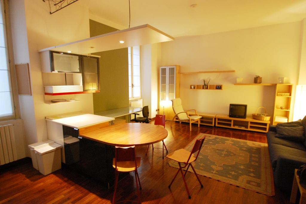 Appartamento in affitto a Bergamo, 2 locali, zona Località: CENTRALE, prezzo € 650 | Cambiocasa.it