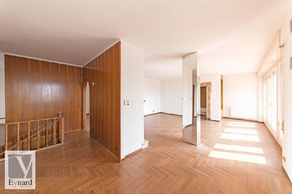Attico / Mansarda in vendita a Bergamo, 5 locali, zona Località: CENTRALE, prezzo € 650.000 | Cambio Casa.it