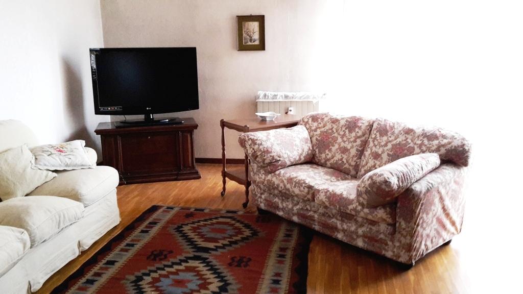 Appartamento in affitto a Bergamo, 4 locali, zona Località: MALPENSATA, prezzo € 1.100 | Cambiocasa.it