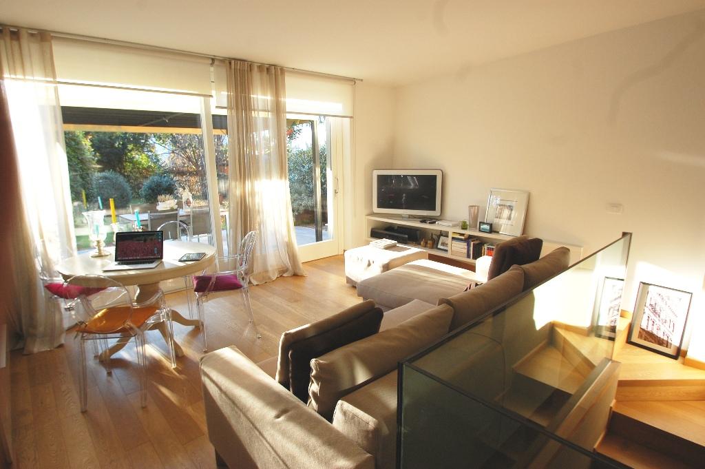 Trilocale gorle vendita 115 mq riscaldamento for Piccoli piani cabina con soppalco e veranda