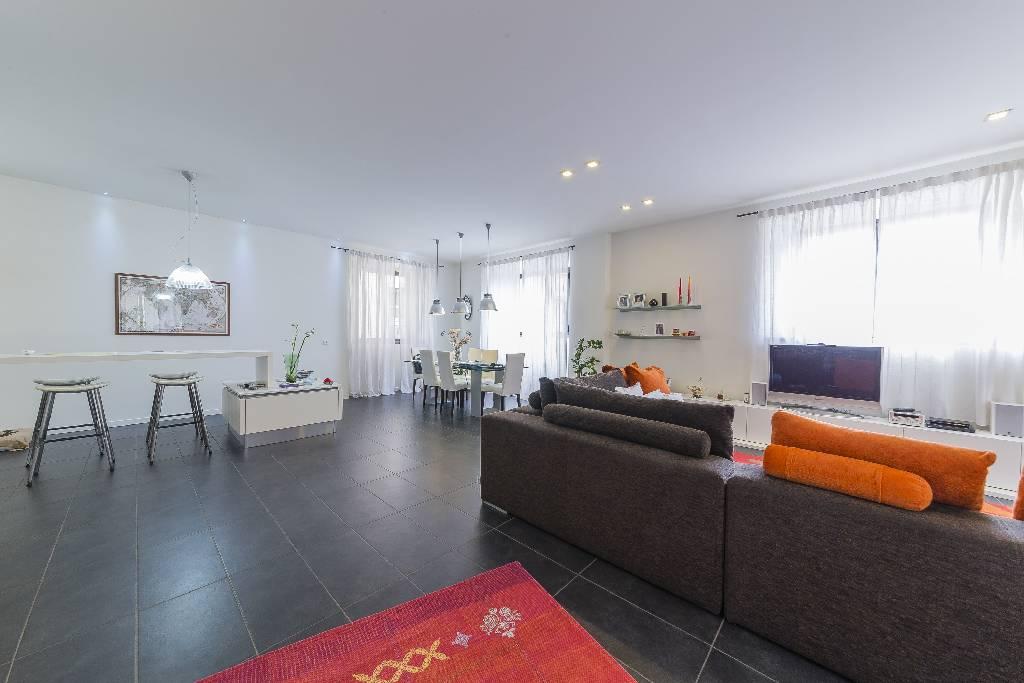 Appartamento ristrutturato in vendita Rif. 9801774
