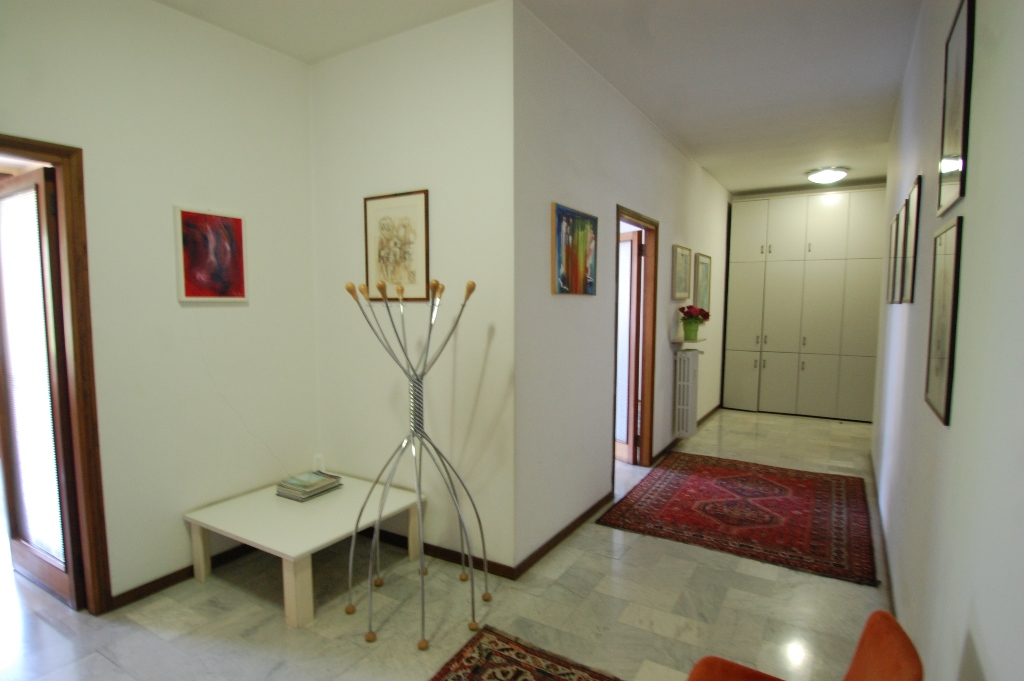 Ufficio / Studio in affitto a Bergamo, 3 locali, zona Località: CENTRALE, prezzo € 850 | Cambio Casa.it