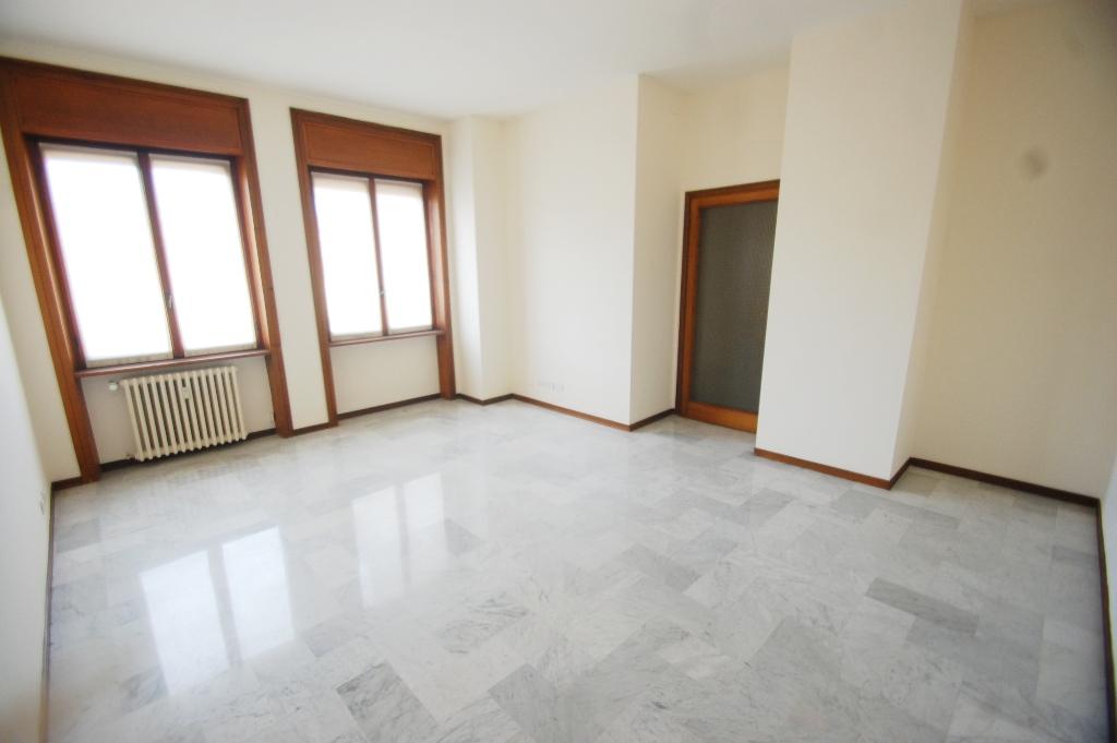 Ufficio / Studio in affitto a Bergamo, 3 locali, zona Località: CENTRALE, prezzo € 917 | Cambio Casa.it