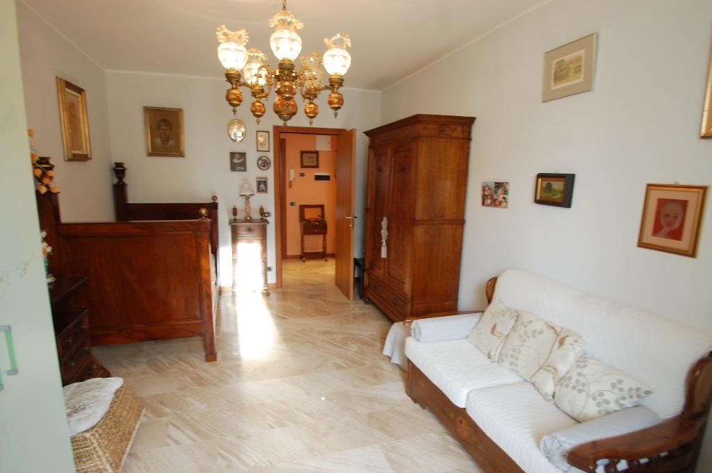 Appartamento in vendita a Bergamo, 3 locali, prezzo € 460.000 | CambioCasa.it