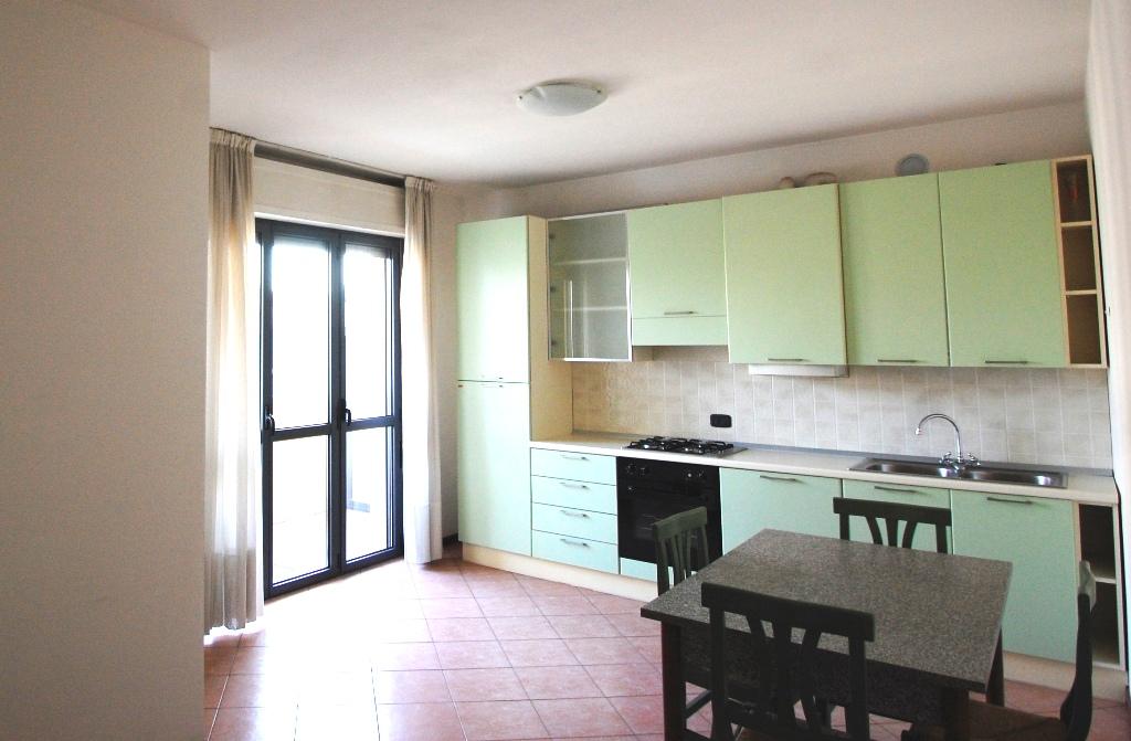 Appartamento in affitto a Bergamo, 1 locali, zona Località: BORGO PALAZZO, prezzo € 400 | Cambio Casa.it