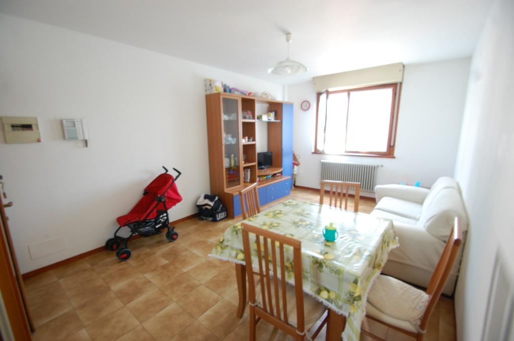 Appartamento in affitto a Bergamo, 2 locali, zona Località: MALPENSATA, prezzo € 500 | Cambio Casa.it