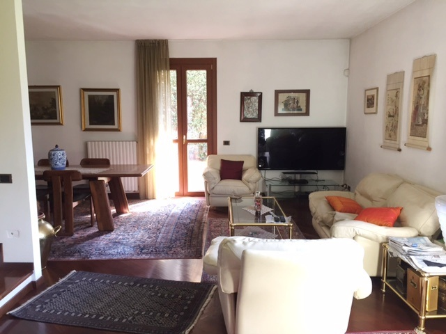 Villa a Schiera in vendita a Villa d'Almè, 5 locali, Trattative riservate | CambioCasa.it