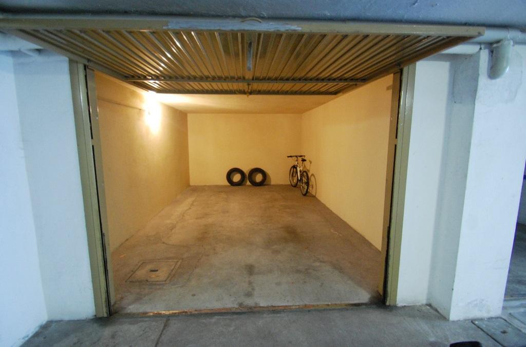 Garage posto auto bergamo affitto in zona centrale 18 mq for Bergamo monolocale affitto