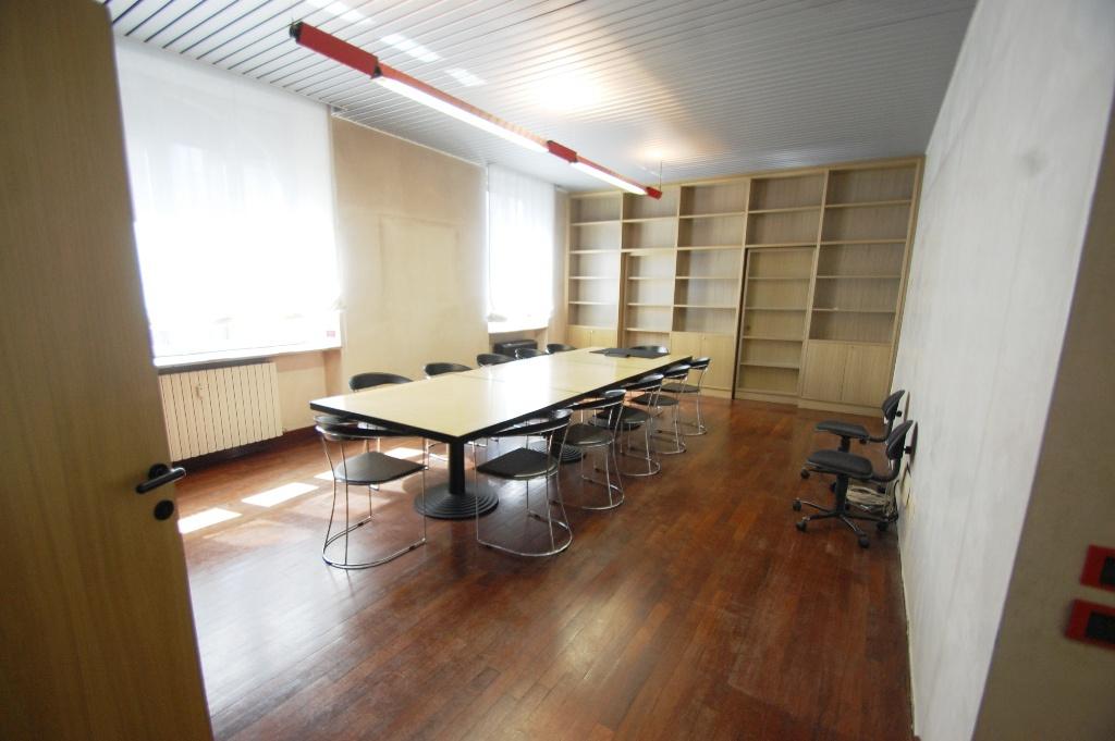 Ufficio / Studio in affitto a Bergamo, 5 locali, Trattative riservate | CambioCasa.it