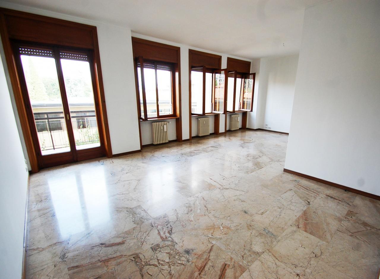 Appartamento in affitto a Bergamo, 4 locali, prezzo € 1.250 | CambioCasa.it