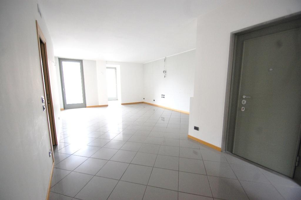Appartamento in affitto a Bergamo, 3 locali, prezzo € 1.250 | CambioCasa.it