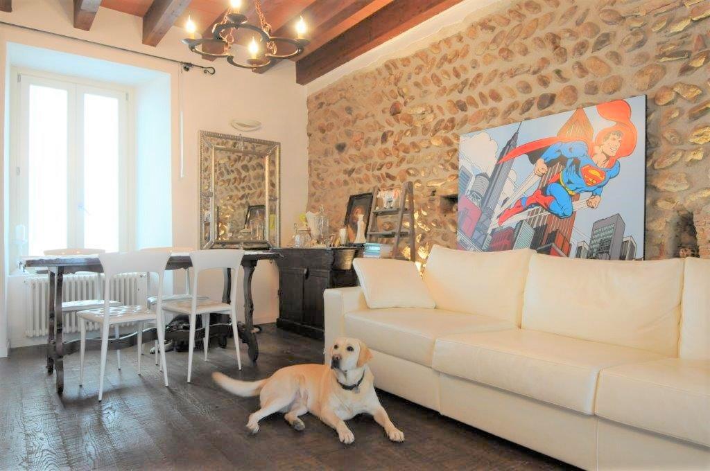 Appartamento ristrutturato arredato in vendita Rif. 11624170