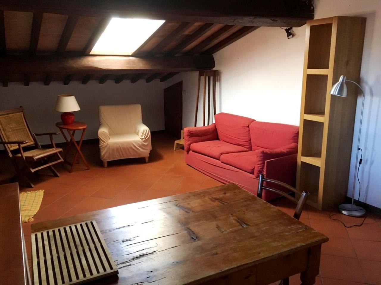 Appartamento in buone condizioni in vendita Rif. 9846143