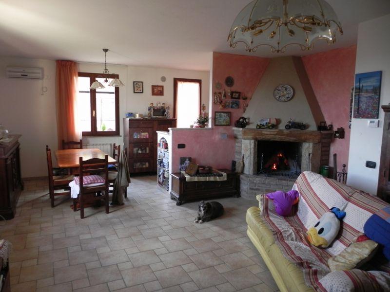 Casa Indipendente in ottime condizioni in vendita Rif. 4771360