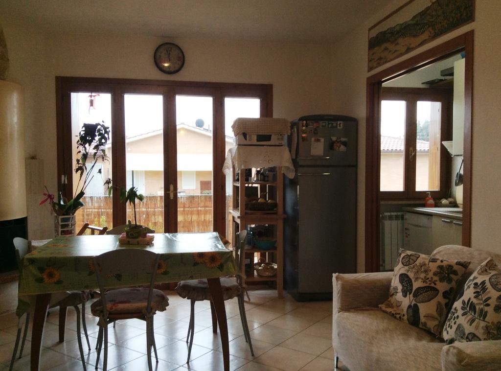 Appartamento in ottime condizioni in vendita Rif. 7102707