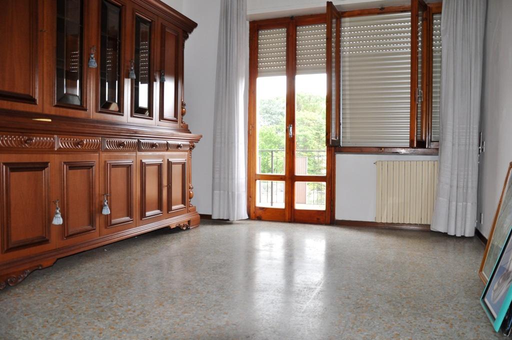 Appartamento in buone condizioni in vendita Rif. 8419918
